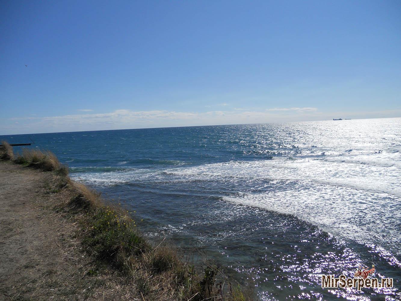 Вид на Геленджикскую бухту с мыса Толстый