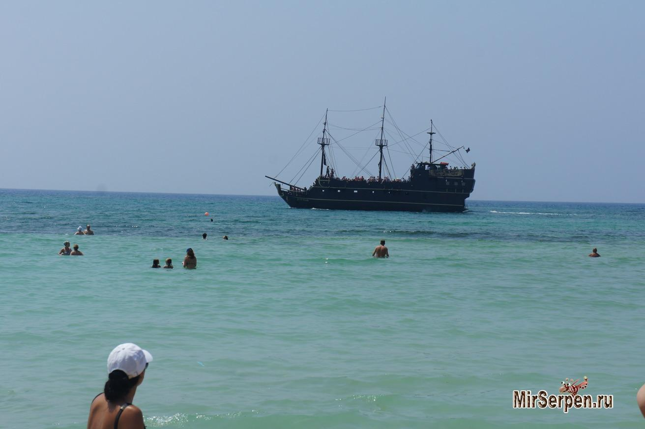 Пиратский корабль - самая популярная экскурсия в Айя-Напе