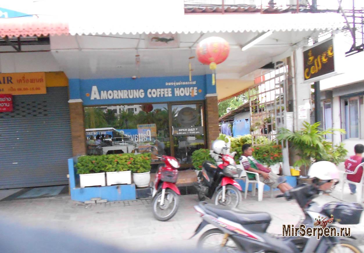 Транспорт в Паттайе: мотобайкеры