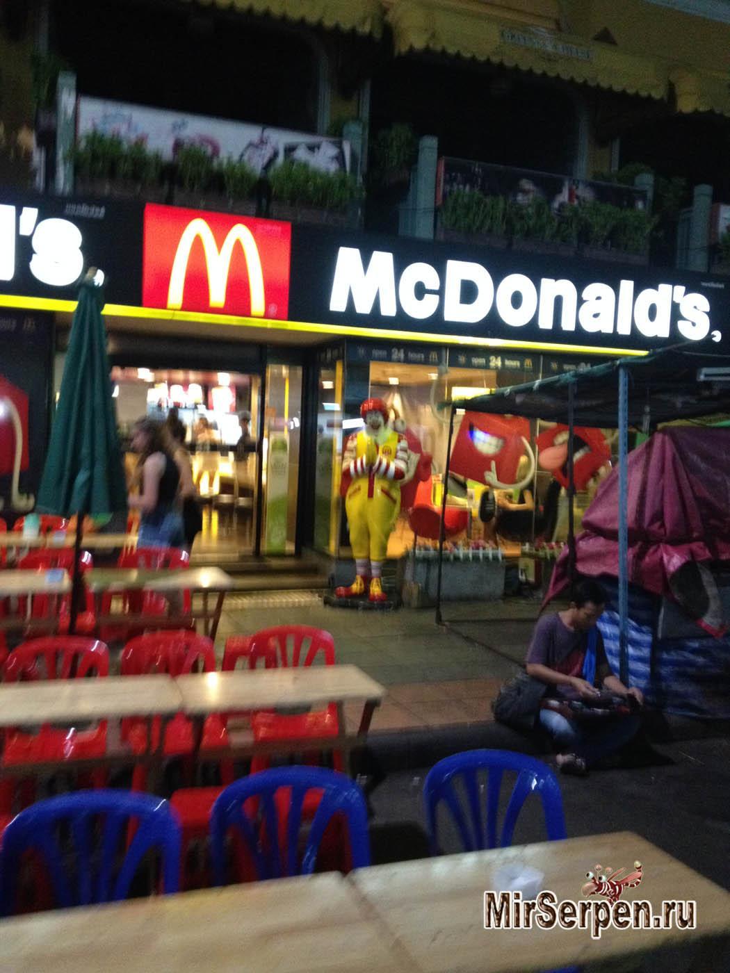 Миссия выполнима: пожевать ночью в Бангкоке