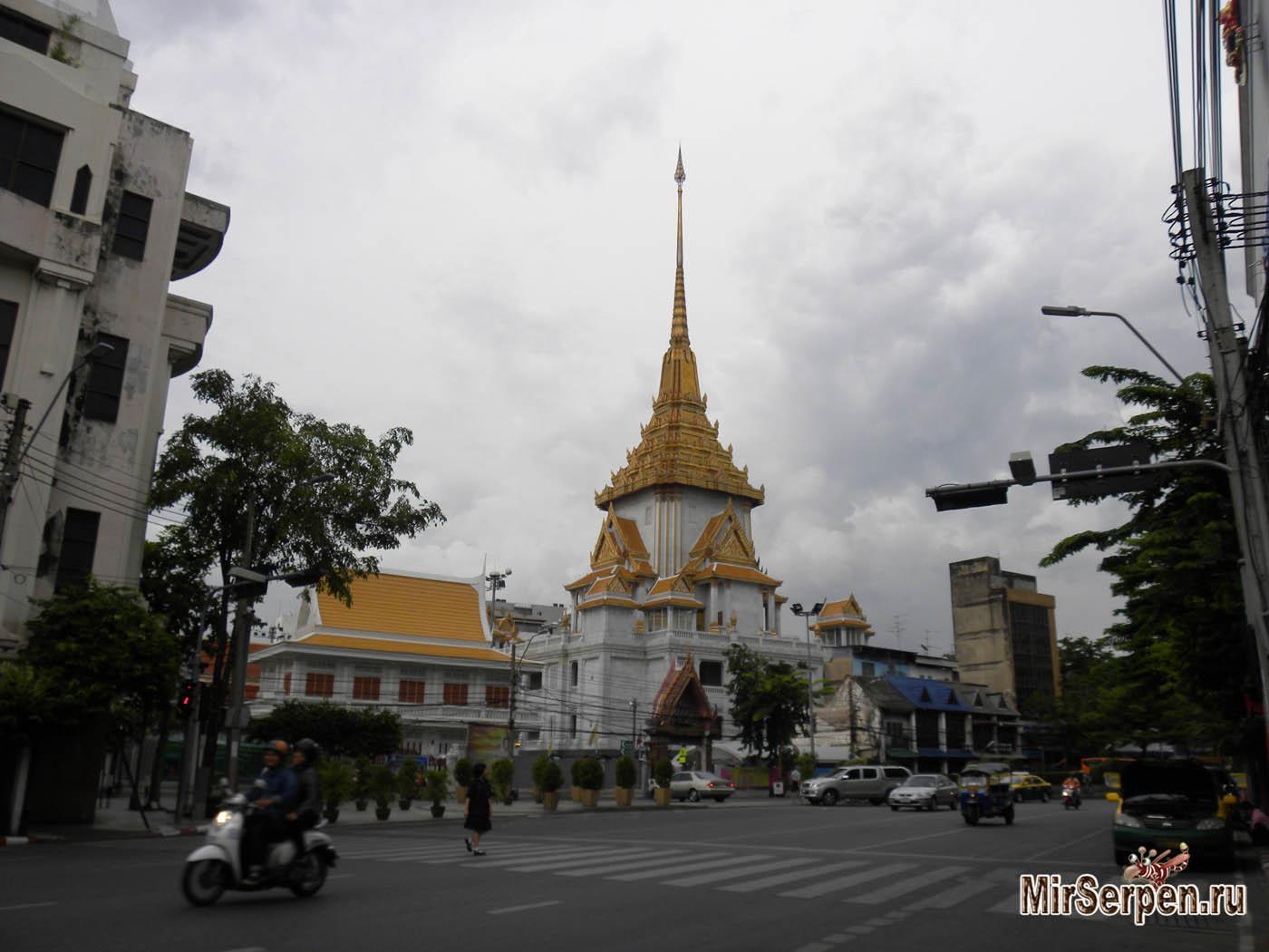 Как российский ТВ-канал снимал репортаж про дождь в Бангкоке