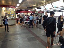 Меры безопасности в метро Бангкока, рюкзаки, очки и кепки
