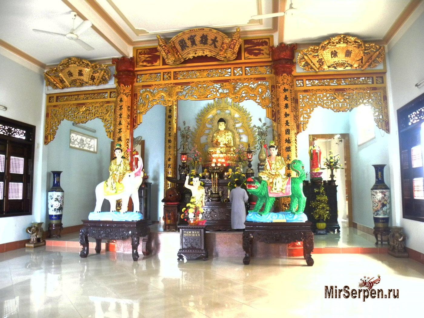 Photo of Побывать в маленьком монастыре Chùa Thiên Hòa в Нячанге