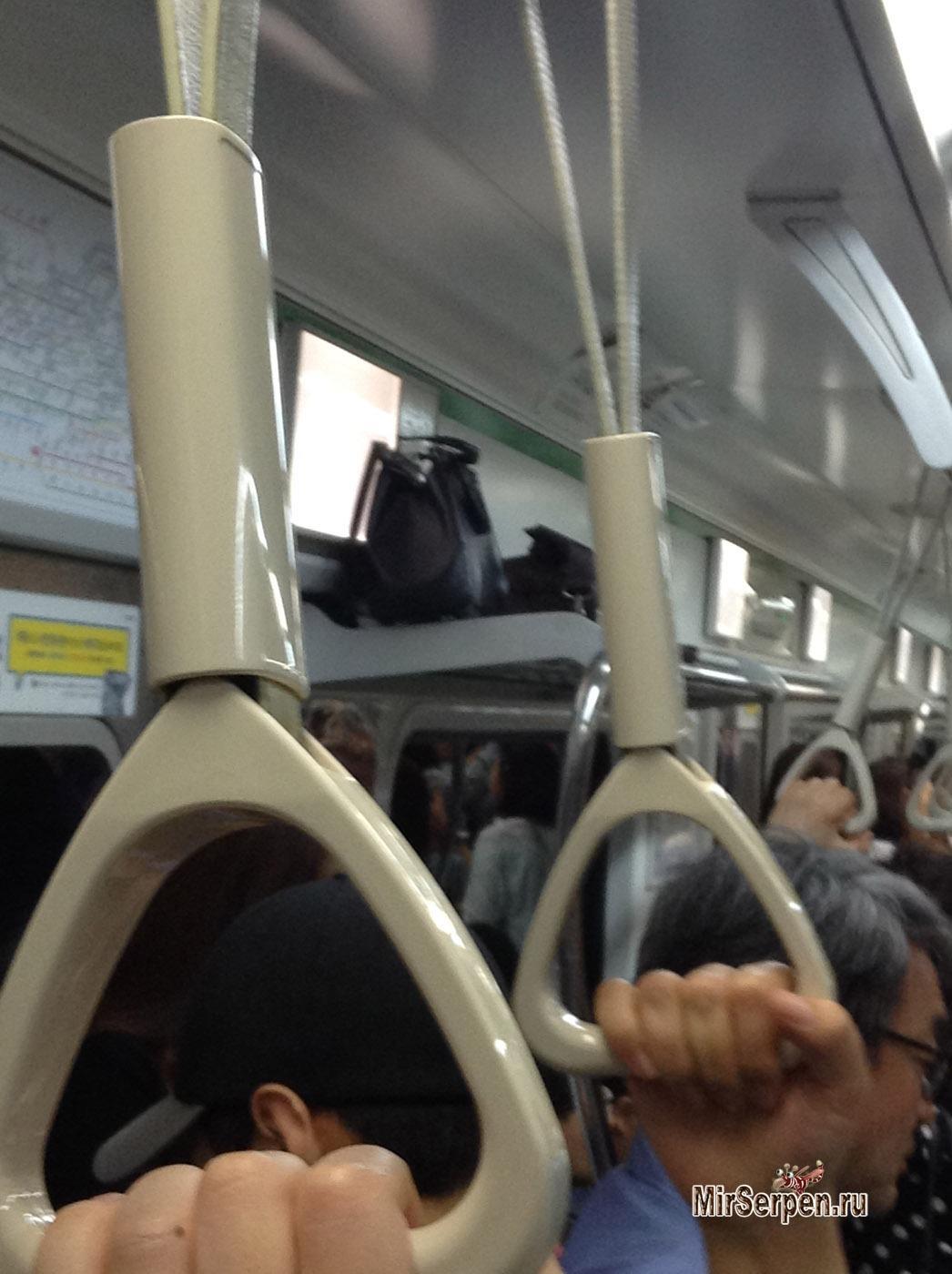 Photo of Положить зубы и вещи на полку в метро Сеула