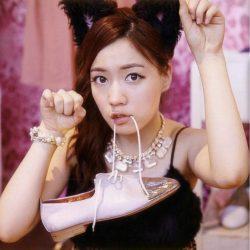 Носят ли корейские девушки кошачьи ушки?
