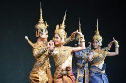 Иностранец и кхмерка: Любовь по-камбоджийски