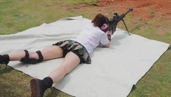 Японки стреляют из большой пушки