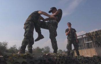 Тренировка по муай-тай пехотинцев тайской армии
