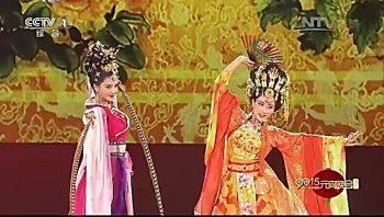 Китайский традиционный танец на Фестивале Фонарей
